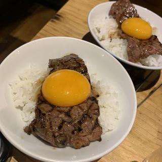 幸せの匠肉飯