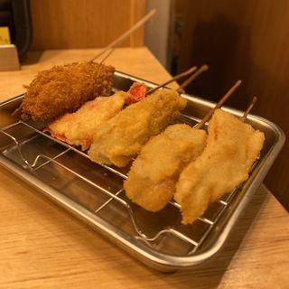 かずのこ、奈美豚バラ、牛串、紅生姜、カキフライ(串かつ でんがな 金山小町店)