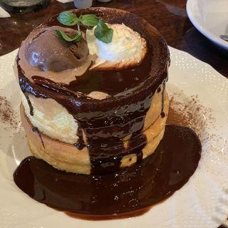 生チョコレートのスフレパンケーキ(星乃珈琲店 栄店)