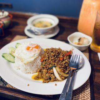 ガパオライスセット(タイレストラン Smile Thailand (スマイルタイランド))