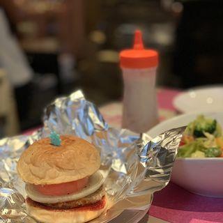 満月のハンバーガー(湖月のカレーあんみ食堂)