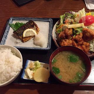 焼き魚ととりの唐揚げ定食(食亭あじくら )