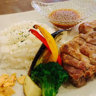 スペインもち豚のトンテキランチ(Torico meat 梅田店)