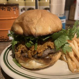 レッドカレーバーガー(Viva la Burger)