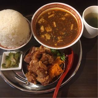 シマハン定食(四川麻婆豆腐&油淋鶏)(シマウマ大飯店)