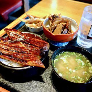 うなぎ1匹丸々丼+日替わり小針2品+お味噌汁(食悦堂 (ショクエツドウ))
