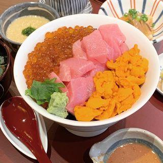 ぜいたく丼(田中田式 海鮮食堂 魚忠 西麻布店)