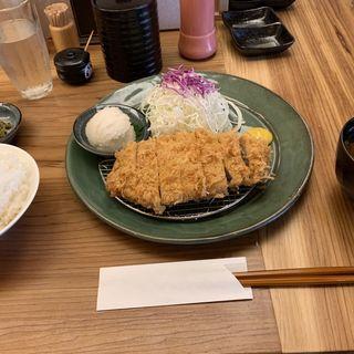 ロースカツ定食(とんかつのポーク凡平)