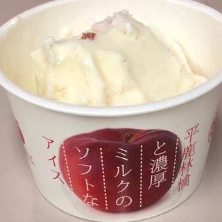 平鹿りんごと濃厚ミルクのソフトなアイス(小松屋本店 )