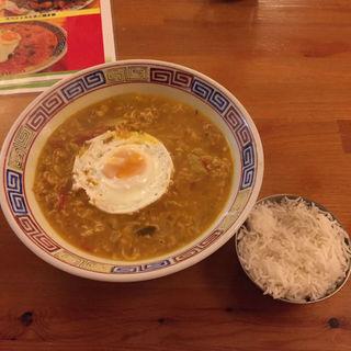 チャウチャウ麺(ナマステ エベレスト 富田店)