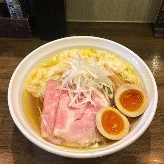 ワンタン鶏塩そば(味玉入り)