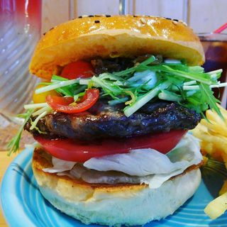 HIGASHIKATA バーガー(The Burgerlion-バーガリオン)