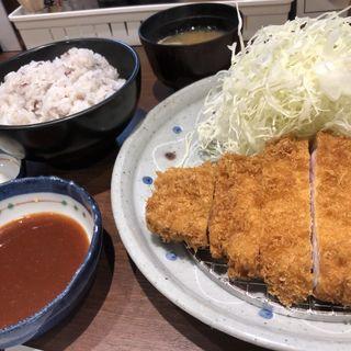 ロースとんかつ定食(とんかつ 三谷 )