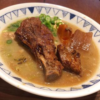 炙りスペアリブ豚汁(ごちとん代々木本店)