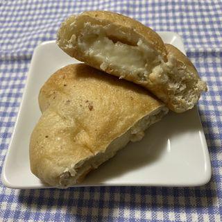 クリームパン(ノウ ム ベーカリー (Know mu Bakery))