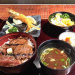 名物ビフテキ丼(サラダ付)