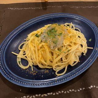 生シラスとサルディニア産カラスミのレモン風味のスパゲッティ・ペペロンチーノ(オステリアトゥットソーレ)