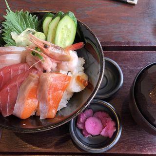 小樽海鮮丼(小樽食堂 町田広袴店)
