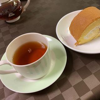 小山ロールに合う紅茶(es KOYAMA)