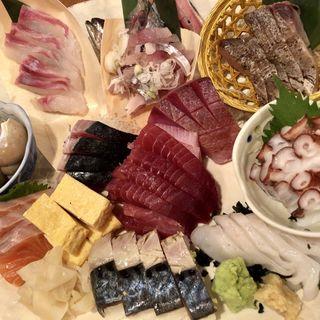 刺身6点盛り(鱈腹魚金 (タラフクウオキン))