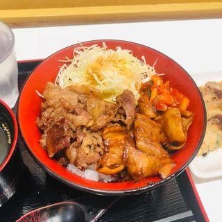 ホルモン焼肉丼(牛焼き みらく 阪神スナックパーク)
