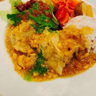 鶏もも肉のコーンクリーム煮ガーリックバター風味(ragout)