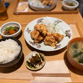 唐揚げ定食(お食事処 asatte)