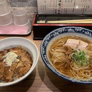 中華そばとミニ豚丼セット(中華そばと札幌ぶた丼 慎芯庵)