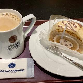 ケーキセット(トラジャコーヒー 京阪くずは店 (TORAJA COFFEE))