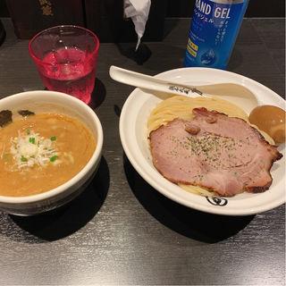濃厚つけ麺 白(麺屋武蔵 武骨相傳)