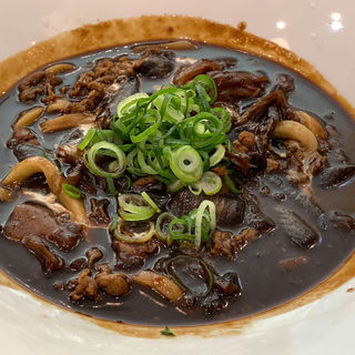 牛肉の黒カレーうどん(あんぷく )
