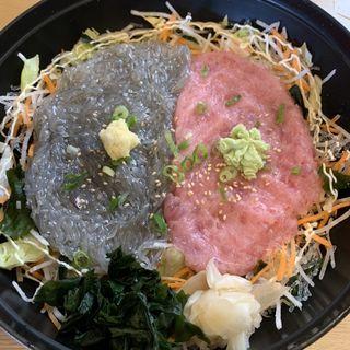 生しらすネギトロ丼(しらす問屋 とびっちょ 江の島本店)