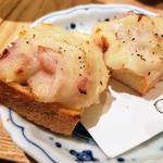 からし香る自家製食パン(春よ来い)のポテサラトースト