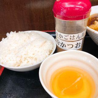 半ライス + トッピング生卵(そばよし 京橋店)