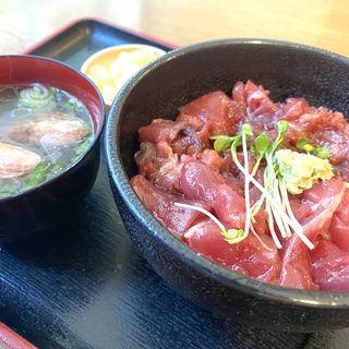 本マグロ丼(家庭料理 大助)