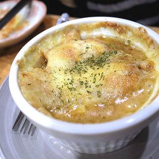 焼チーズカレードリア(ペンネ)(平成大衆酒場 やきとん じゃんじゃん )