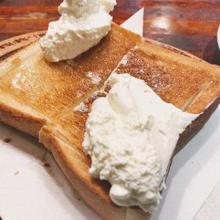 クリームトースト