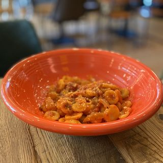 パンチェッタと玉ネギのトマトソース