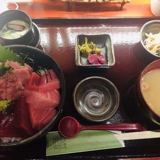 鮪三種盛り丼(傳 人形町店 )