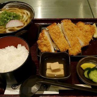 トンカツ定食(讃岐屋 雅次郎 )