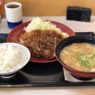 黒胡椒唐揚げとチキンカツの合盛り定食(かつや 宇都宮インターパーク店 )