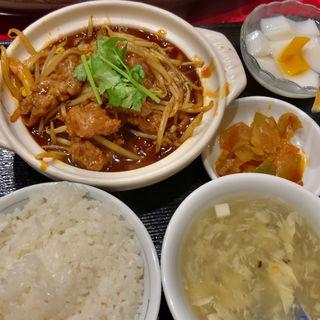 牛肉唐辛子煮込みセット(嘉賓 御茶ノ水店 (カヒン))