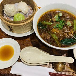 台湾牛肉麺(騒豆花 上野店)