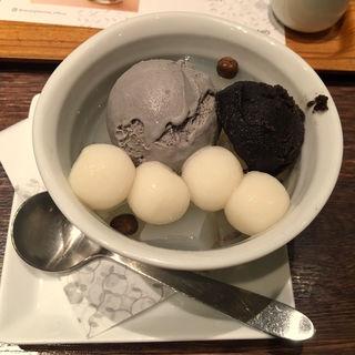 黒胡麻クリームあんみつ(ナナズ グリーンティー 仙台パルコ店 (nana's green tea ))
