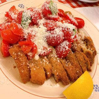 豚肩ロースカツレツ・トマトサラダ