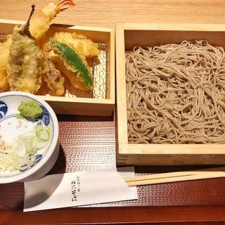 天ぷら5種の 枡そば(江戸切り 助六そば ぬる燗佐藤)
