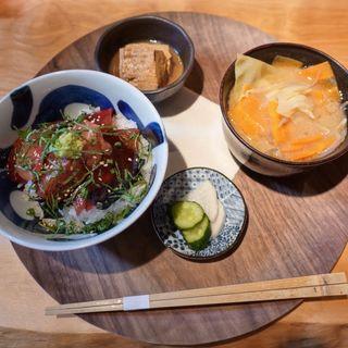 天然南鮪丼(喰呑をかし (クウノムヲカシ))