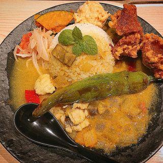 鱧と夏野菜のカレー(唐揚げトピ)