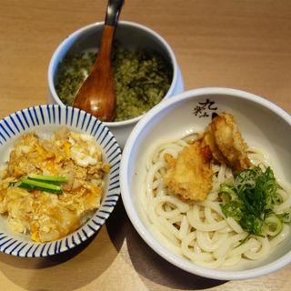 かしわ天うどん(冷)+ミニ親子丼(うどん居酒屋 粋 六本松店)