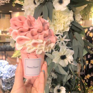 ミックスフラワーソフトクリーム(Flower Flower フラワーフラワー)